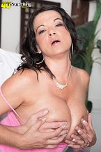 1990s big-tit star Betty Fullsome funbags rides once more!